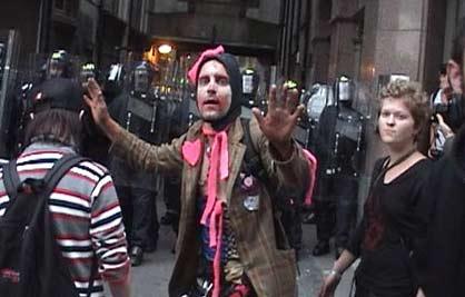 100 persones detingudes a Edinburg durant una protesta contra el G8